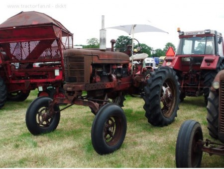 CASE FARMALL MV